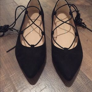 Chinese Laundry Tie Strap Flat Shoes Size 7 Black